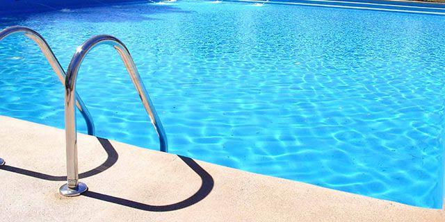 Tratamiento de choque agua piscina