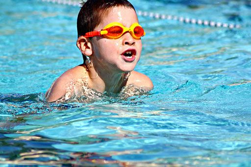 Gu a de mantenimiento de piscina en 5 pasos evo hogar for Guia mantenimiento piscinas